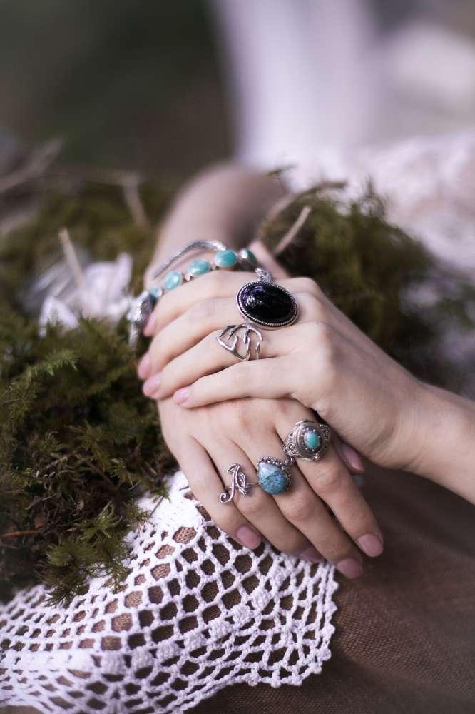 кольца и перстни украшения серебро стиль бохо