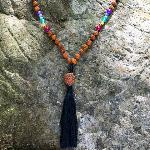 ожерелье-четки счакровыми камнями